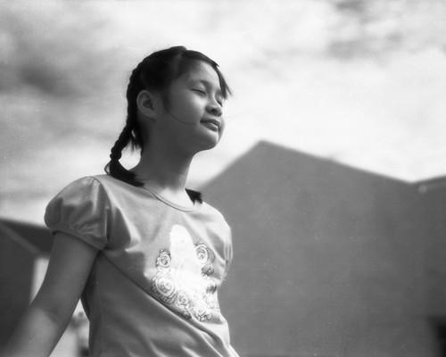 無料写真素材, 人物, 子供  女の子, 人物  目を閉じる, モノクロ, マレーシア人