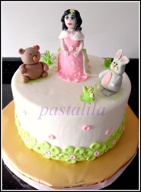 princess and her friends cake