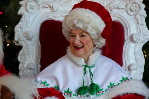 Mrs. Claus in American Adventure