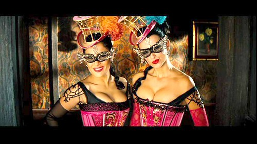 Salma and Penelope showgirls Bandidas
