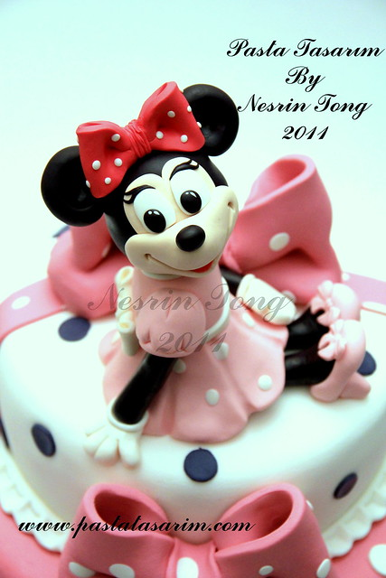 MINIE MOUSE 1ST BIRTHDAY CAKE