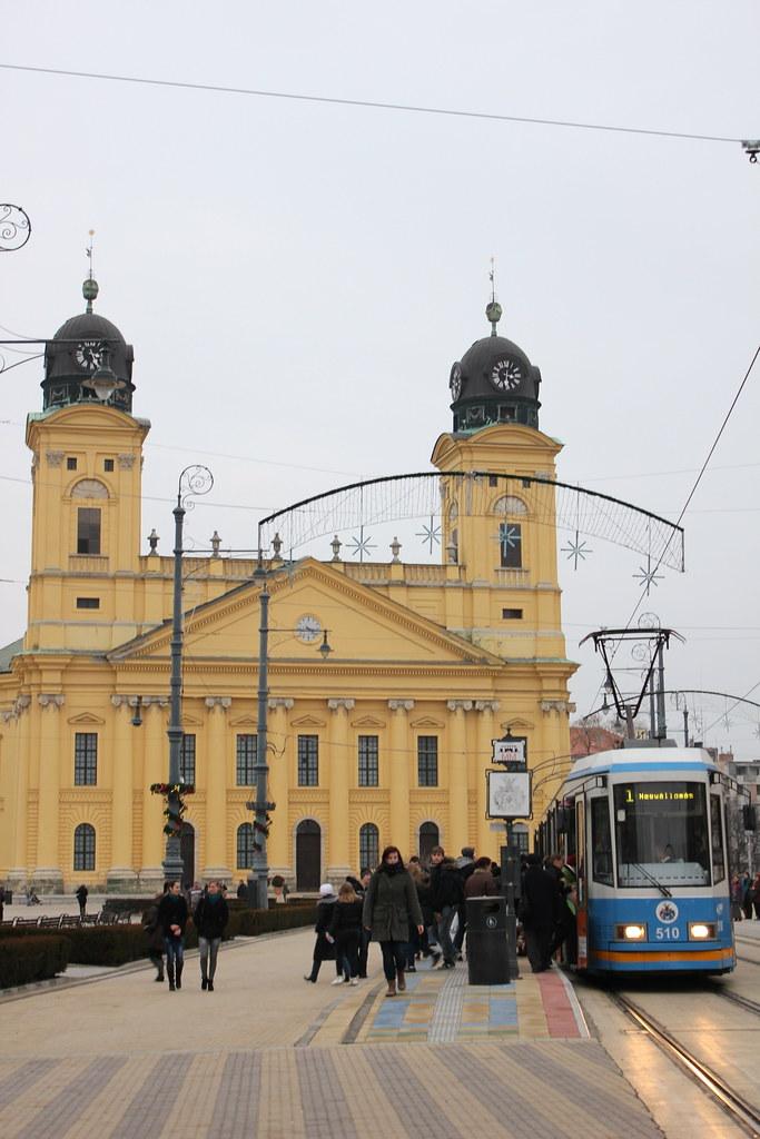 Nagytemplom y el tranvía de Debrecen
