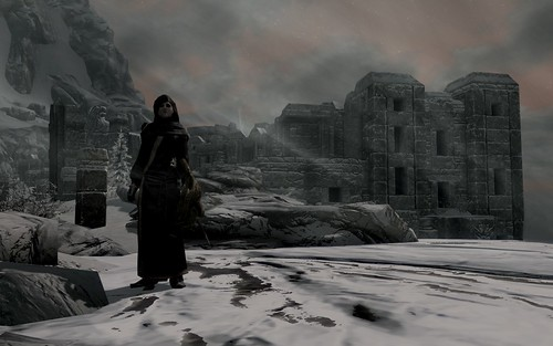Ilia in front of High Hrothgar