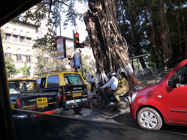 View from a taxi window. Mumbai, Dec 2011. GR127