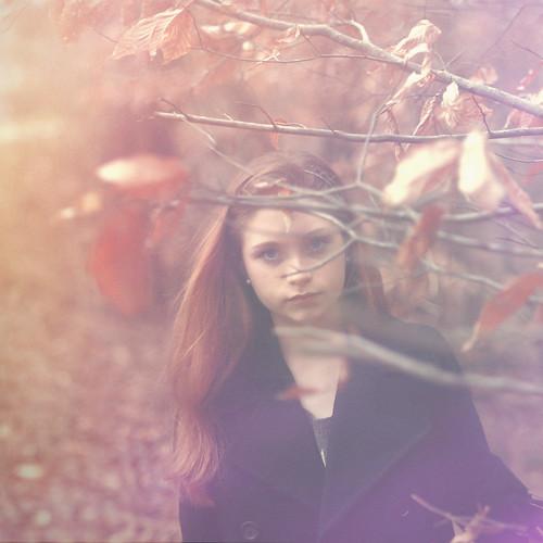無料写真素材, 人物, 女性, コート, 人物  樹木