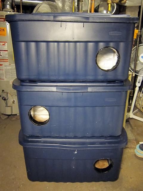 Winter Feral Cat Shelter Rubbermaid Storage Bin An