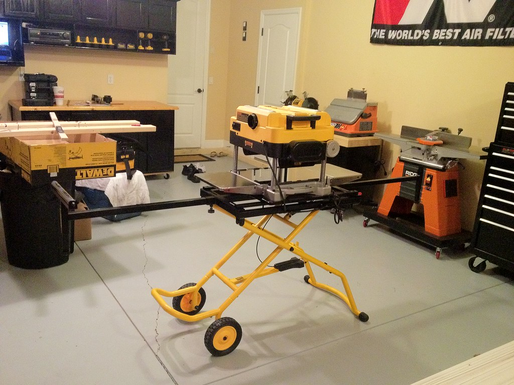 Dewalt Dwx726 Portable Stand With A Planer Woodworking
