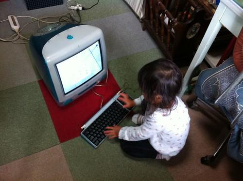iMacと娘