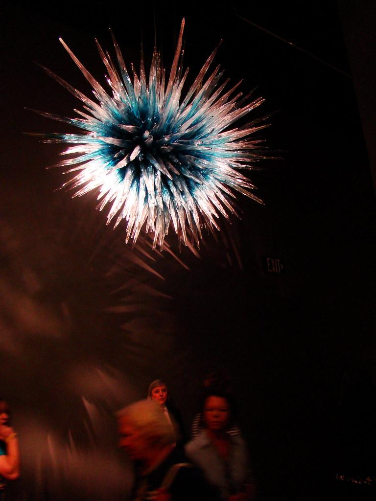 DSC02652 Dale Chihuly blue sea urchin