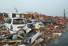 龍捲風把密蘇里州喬普林整個住宅區街道夷為平地,2011年5月23日。(Tom Uhlenbrock攝影/密蘇里自然資源部提供)