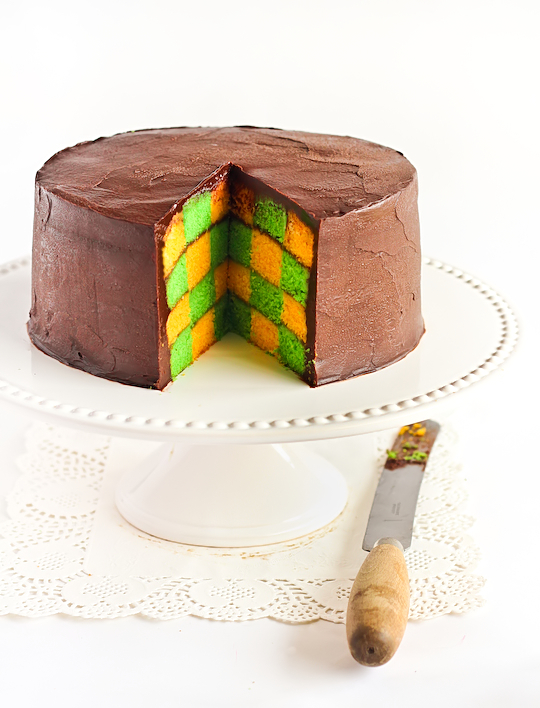 green_gold_checkerboard_cake-5