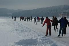 Zimní bruslení: jak vybrat brusle na led a kam se na ně vypravit
