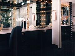 GN Star Dressing room 1985