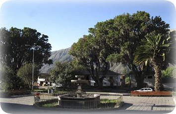 plaza-mayor-de-andahuaylillas-cusco