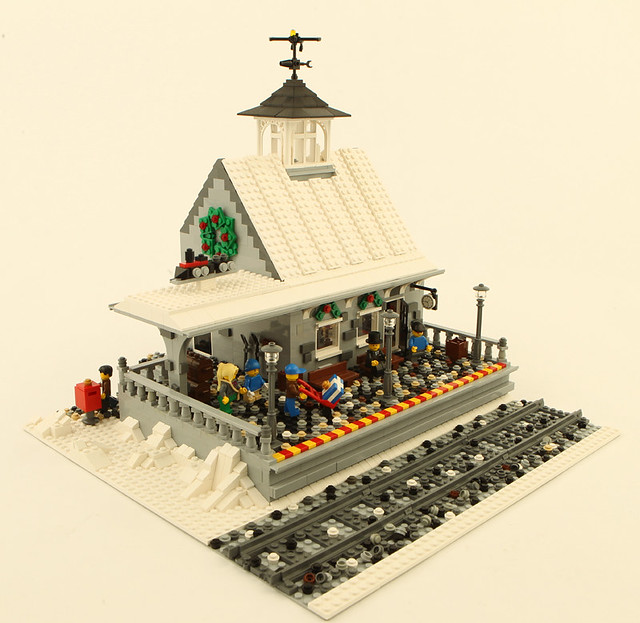 Train depot for Winter Village layout
