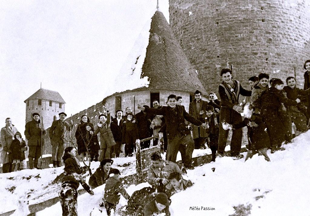 bataille de boules de neige à la Cité de Carcassonne, le 7 février 1954 météopassion