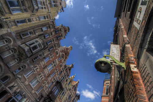 Street and streetlamp. Gent. Calle y farola. Gante