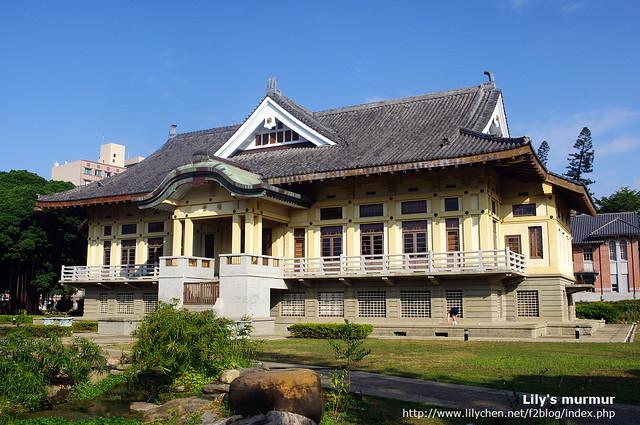 目前為台南市忠義國小禮堂的武德殿。