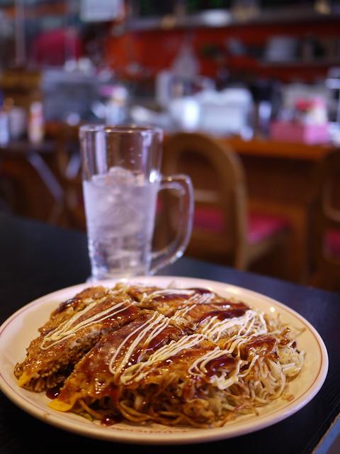 Photo:Ichiriki's Okonomiyaki with Garlic flavor By GetHiroshima