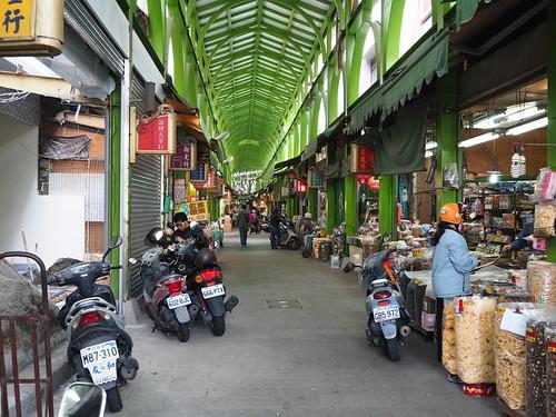 三鳳中街のアーケード