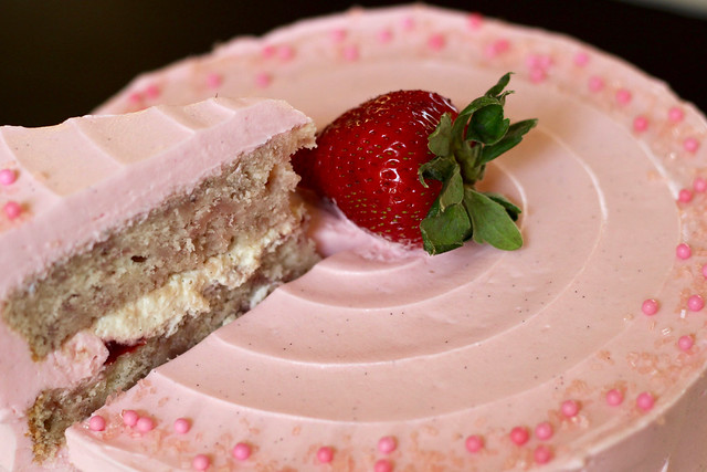 Strawberry Supreme Cake - 57