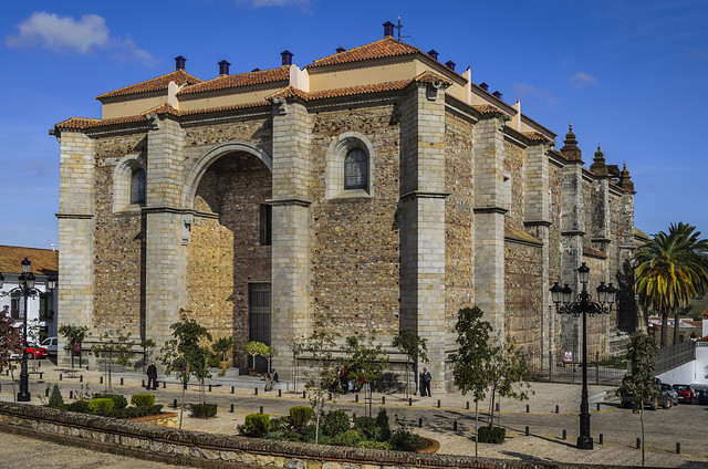 4 Santa Maria de la Asuncion church