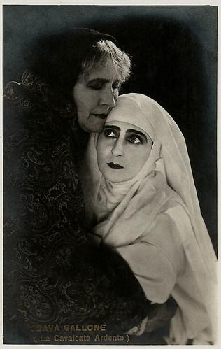 Soava Gallone and Jeanne Brindeau in La cavalcata ardente