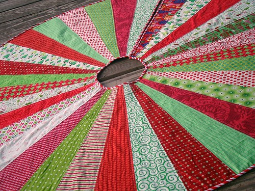 festive christmas tree skirt tutorial - Christmas Tree Skirt Pattern