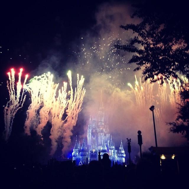 Mickey's Very Merry Fireworks