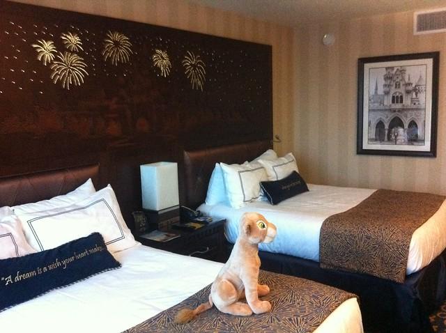 2 bedroom suites near disneyland