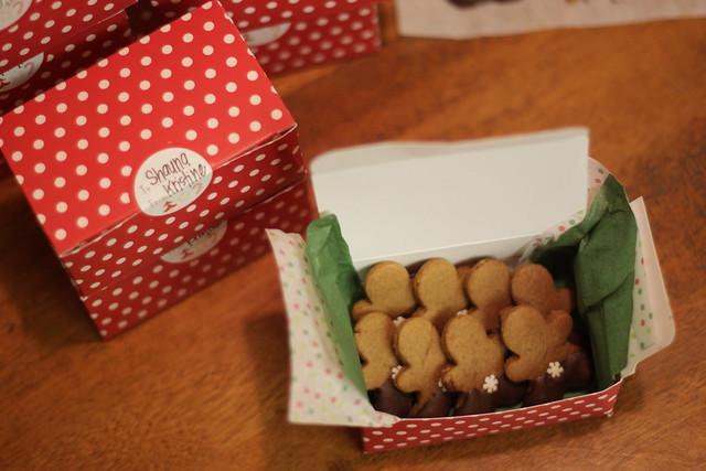 2011 Gingerbread006