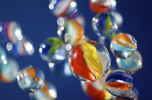 [フリー画像素材] 物・モノ, 玩具・おもちゃ, ビー玉 ID:201112240400