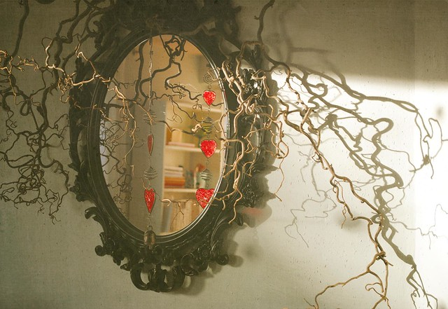 mirror and curly twigs2
