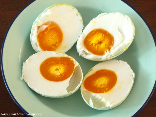 Homemade Salted eggs