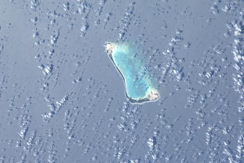 Ook de Stille Zuidzee is een prachtige bron van kleurrijke plekken. Een van de Gilbert eilanden.