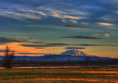 mountain oregon sunrise landscape pastels strata vista serene 1001nights sauvie mtsthelenssnowcapped
