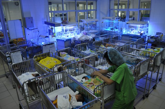 Creating a Phototherapy Device for Jaundice Babies in Vietnam