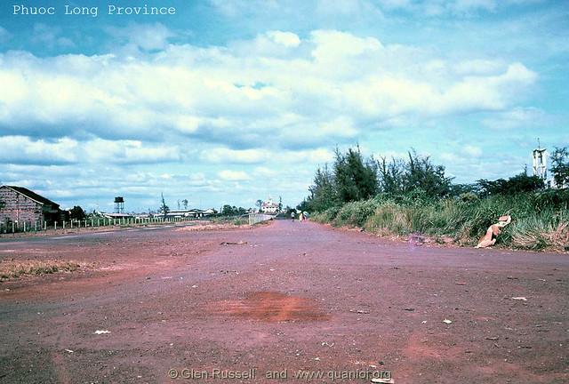Phi trường tỉnh Phước Long - ngày nay là đường  Cách Mạng Tháng Tám, TX Phước Long