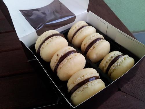 makronky s čokoládovou ganache / macarons with chocolate ganache