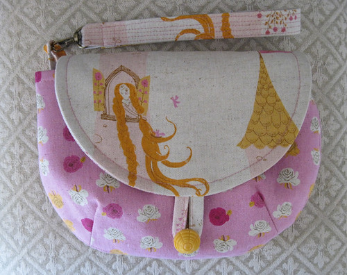 Wristlet - pattern from You Sew Girl