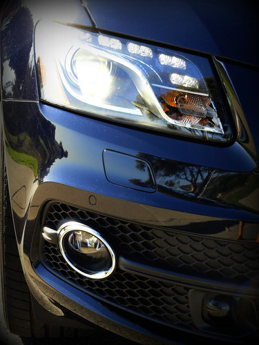 2011 Audi Q5 LED Lights/Grill