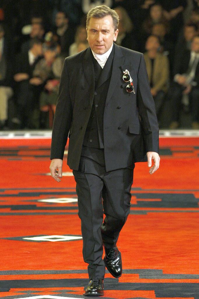 FW12 Milan Prada040_Tim Roth(VOGUE)