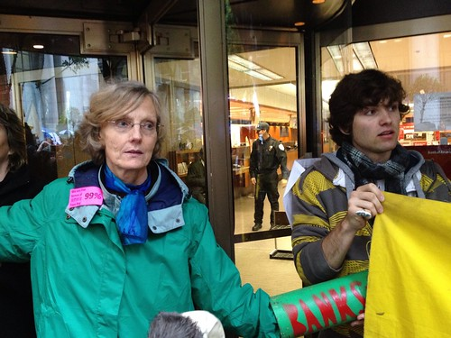 Blocking #BofA #owswest #j20 #occupysf #ows