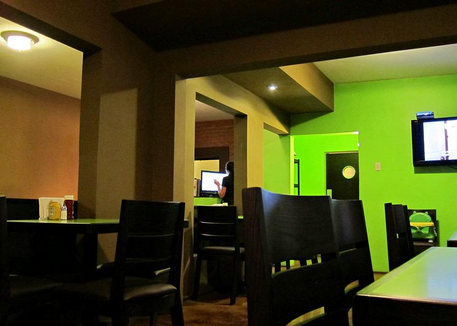 A la grande le puse cuca tik tok burger boutique for Como administrar un restaurante pequeno