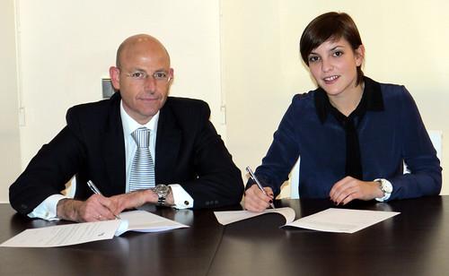 Firma del acuerdo entre Banco Sabadell y Crespo Ruiz Abogados
