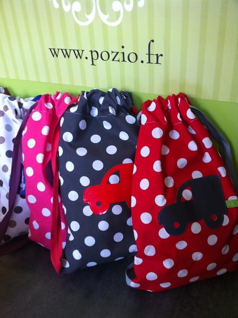 rangée sacs à dos