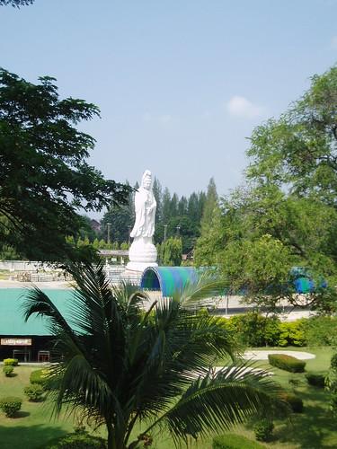 statue thailand shrine quanyin