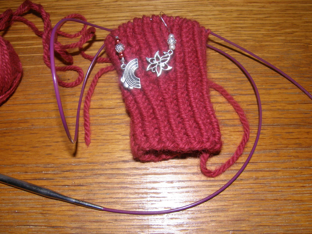 Knitting fingerless gloves in the round - So Far This Pattern Is Going Really Well I Seem To Be Knitting Tighter Doing It In The Round So When I Started With A