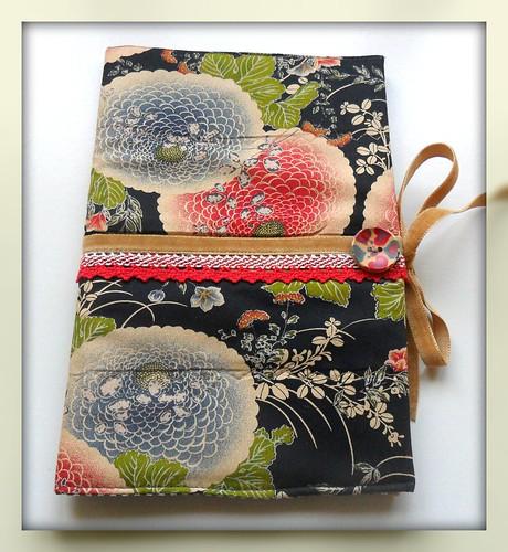 Capa de protecção para livros by Fuxiquices-da-isa