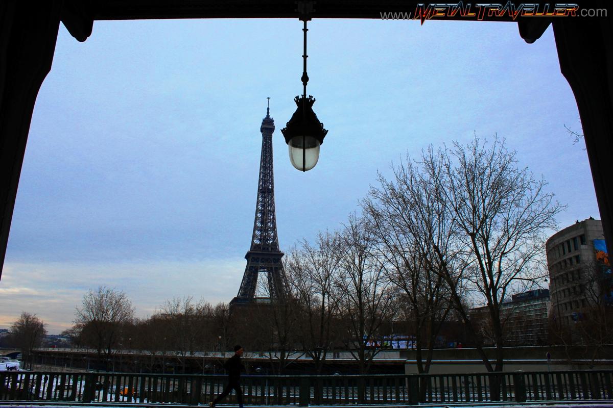 When It Snows In Paris Metal Traveller